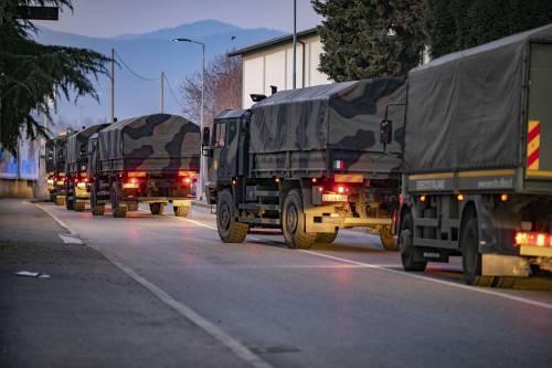 Per spostare le salme dal cimitero di Bergamo arriva l'esercito 3