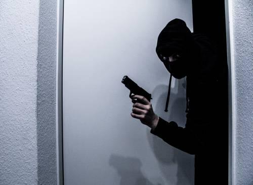 La città in quarantena, i ladri fanno festa: escalation di furti