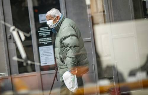 Virus, dal fumo alla genetica: perché cosi tanti morti in Italia