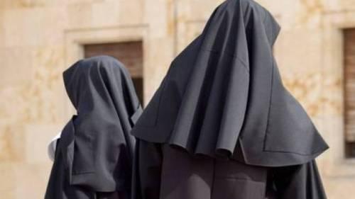 """I gesuiti accusano: """"Abusi di potere nelle congregazioni delle suore"""""""