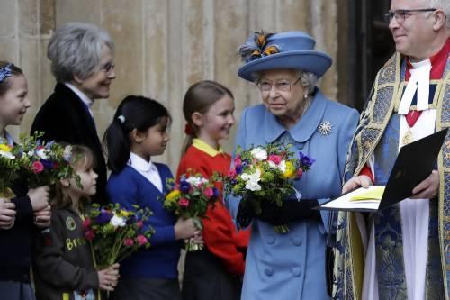 La Regina Elisabetta II e il Principe Carlo, foto 6
