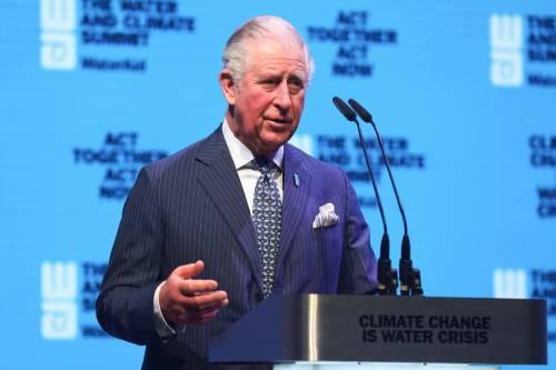 """Contagiato il principe Carlo. """"La Regina sta benissimo"""""""