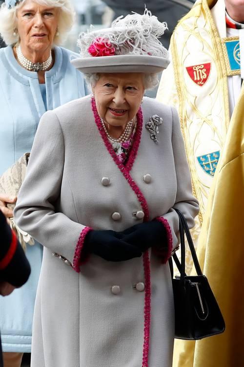 La Regina in isolamento con Filippo: chi sono i 3 collaboratori rimasti con loro