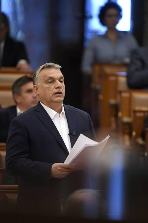 Emergenza virus in Ungheria: concessi pieni poteri a Orban