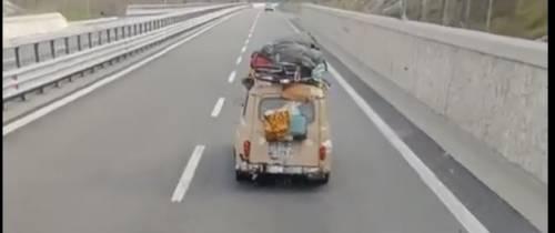 Dalla Francia alla Sicilia con una Renault 4 gialla: svelato il mistero