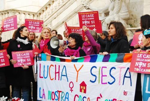 """Il """"regalo"""" di Zingaretti al collettivo femminista: a Lucha y Siesta va un immobile della Regione"""