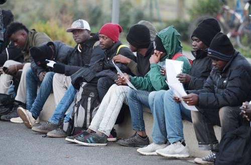 """Rivolta sociale al Sud: """"Soldi, non cibo"""""""