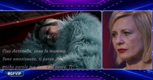 """Antonella Elia, il messaggio della matrigna commuove: """"La mamma ti vuole bene, sempre"""""""