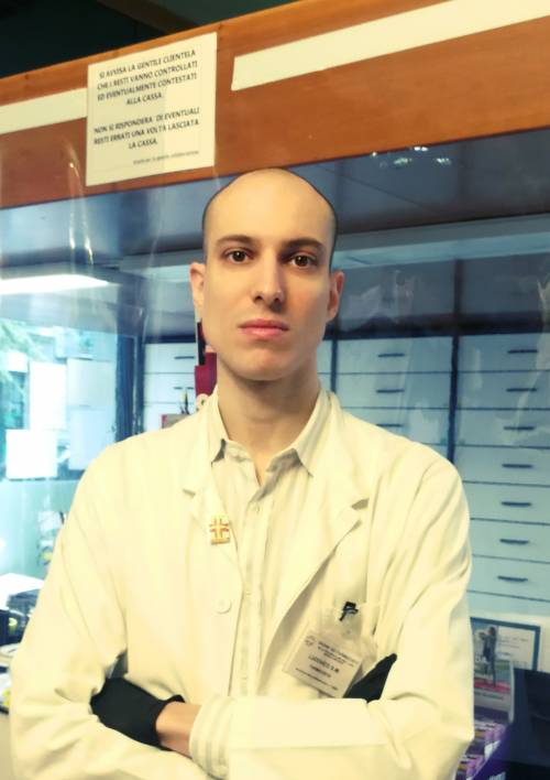 I farmacisti lasciati soli contro l'epidemia da Covid-19
