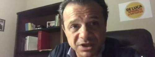 """""""È depistaggio di Stato"""" E il Viminale denuncia De Luca per vilipendio"""