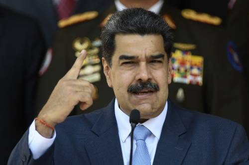 L'Ue bacchetta i 5 Stelle: stop ai fondi dal Venezuela