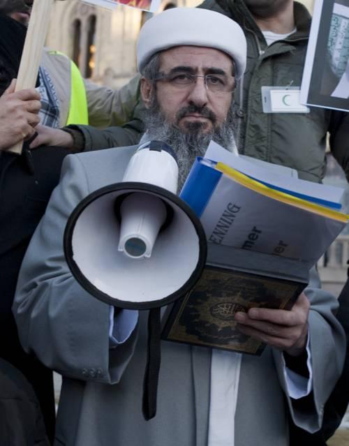 La Norvegia consegna all' Italia mullah Krekar    sospetto affiliato a Isis