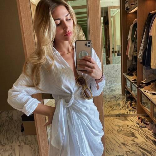 Lady Goetze incanta su Instagram 6