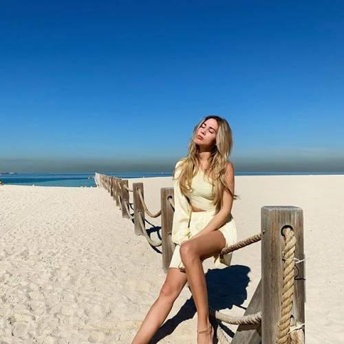 Lady Goetze incanta su Instagram 11