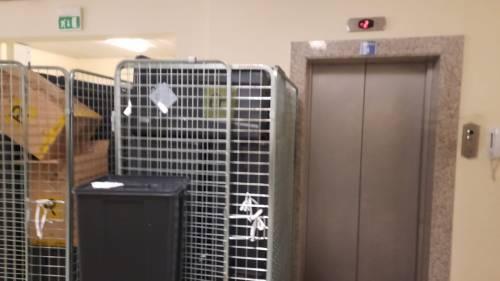 Ascensore Covid con rifiuti ospedalieri tossici