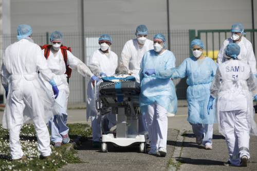 Francia, riapertura a zone e 700mila test a settimana