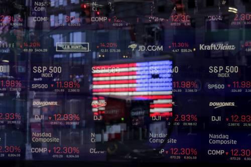 Gli Usa piangono 100mila morti. Ma a Wall Street tornano i broker