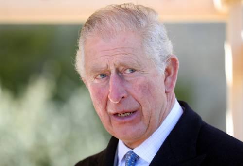 """La preoccupazione del principe Carlo: """"Non vedo mio padre da"""