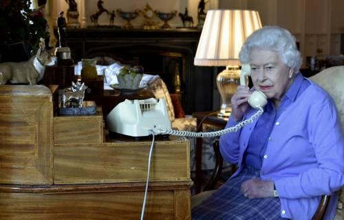 La Regina parla alla Storia. Il premier Johnson ricoverato