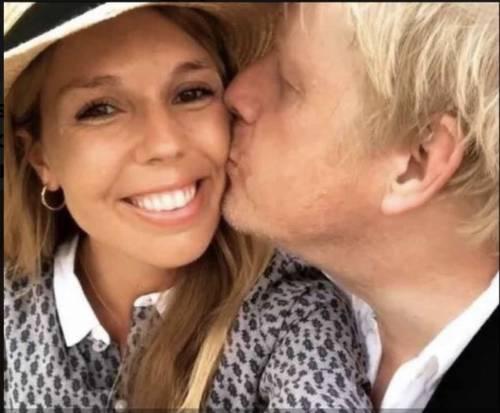 Anche la fidanzata incinta di Boris Johnson ha il coronaviru