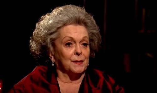 Shirley Douglas è morta/ Addio all