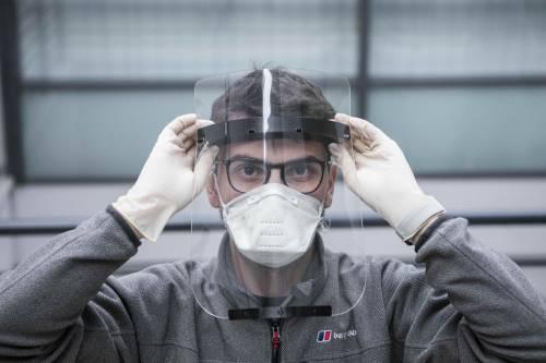 """Il virologo Crisanti: """"Mascherine, monitoraggio del territor"""