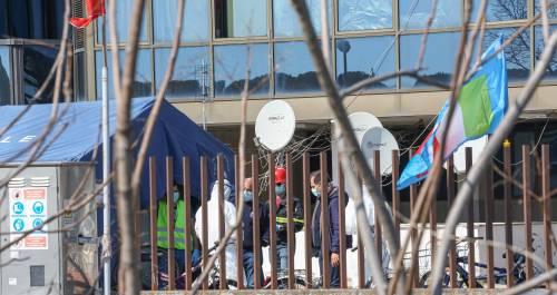 Il Selam palace isolato dall'esercito: screening a tappeto sui migranti 2