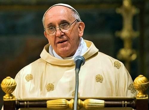 Il Papa dona 20mila euro al centro migranti di Don Biancalani