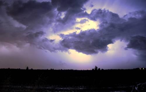 Dopo Pasqua cambia il meteo: Bora, temporali e crollo termico