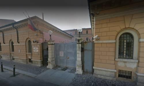 Mantova, getta a terra donna e cerca di stuprarla: preso magrebino