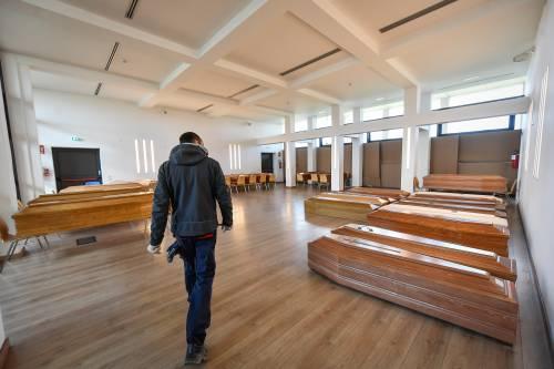 Tempio Crematorio di Piacenza saturo di salme (La Presse)