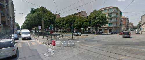 Paura in coda al supermercato: romeno strappa mascherine alle persone