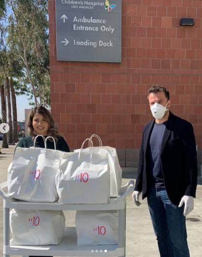 Alessandro Del Piero e la moglie regalano pasti ai bisognosi