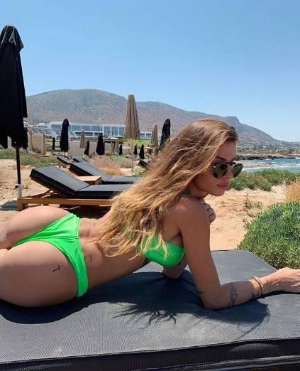 Chiara Nasti in bikini sui social 4