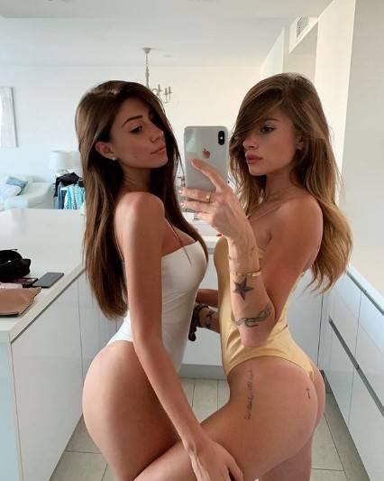 Chiara Nasti in bikini sui social 14