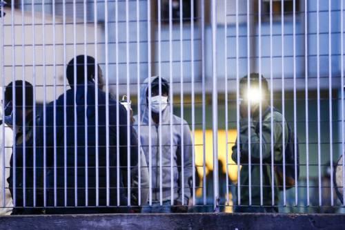 La ripartenza della Lamorgese: permessi lunghi agli immigrati