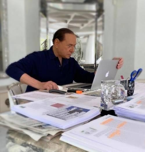 Berlusconi vuole lo choc fiscale. Flat tax e sconto sui debiti