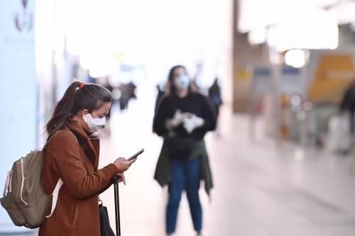 """Come """"salvare"""" la pelle dall'uso di mascherine"""