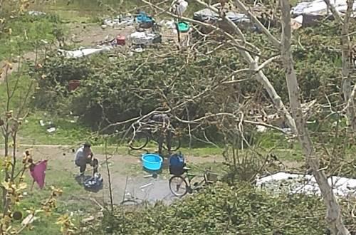 Discariche, roghi tossici e pic-nic: sul Lungotevere di Pietra Papa spunta una nuova favela 6