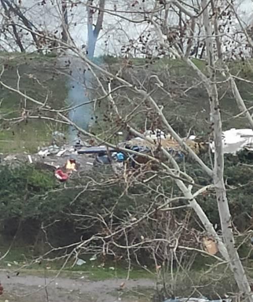 Discariche, roghi tossici e pic-nic: sul Lungotevere di Pietra Papa spunta una nuova favela 10