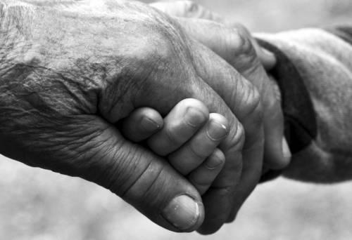 Coronavirus, la straziante lettera d'addio di un paziente anziano
