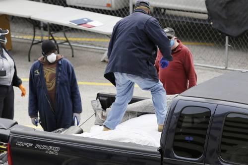 Usa, corpi di morti trasportati sul retro aperto di un pick up