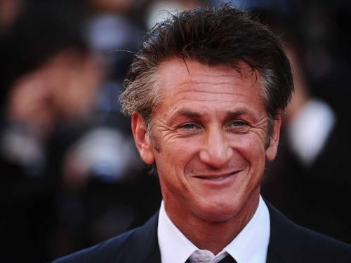 Così Sean Penn combatte il virus: tamponi gratis per le strade di Los Angeles