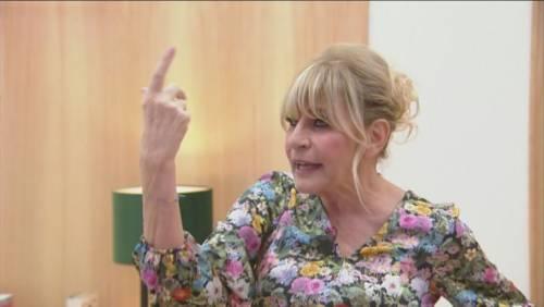 """Tina Cipollari: """"Punti solo a una cosa"""". E Gemma lascia tutti senza parole"""