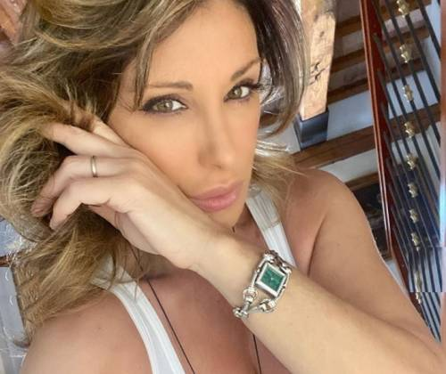 "Lo sfogo choc di Sabrina Salerno ""Vedevo nero e piangevo spesso"""