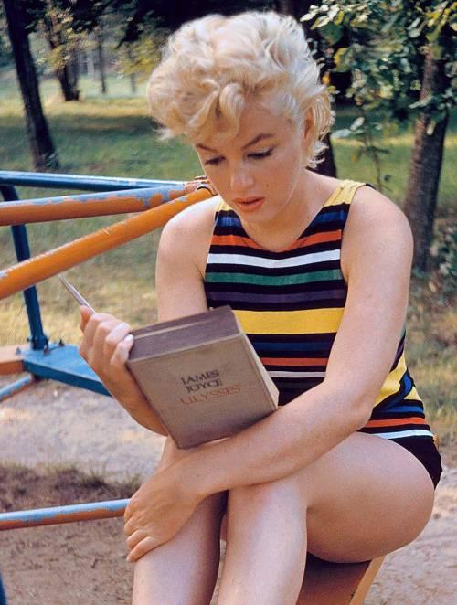 """La rivelazione choc: """"Marilyn Monroe costretta ad abortire prima di morire"""""""
