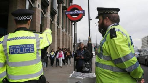 Orrore a Londra: trovati due bimbi accoltellati a morte