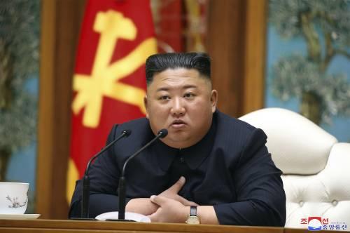 """Il mistero di Kim si infittisce. Trump confessa: """"Io so tutto"""""""