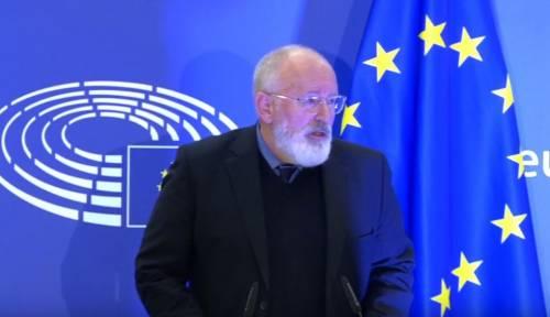 """Timmermans preoccupato per l'Eurozona: """"Rischio smantellamento"""""""