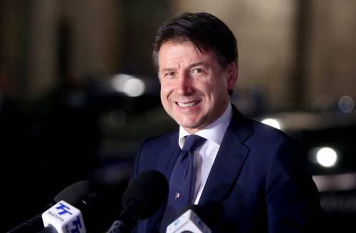 """Il """"barbiere"""" di Giuseppi fa infuriare gli italiani"""